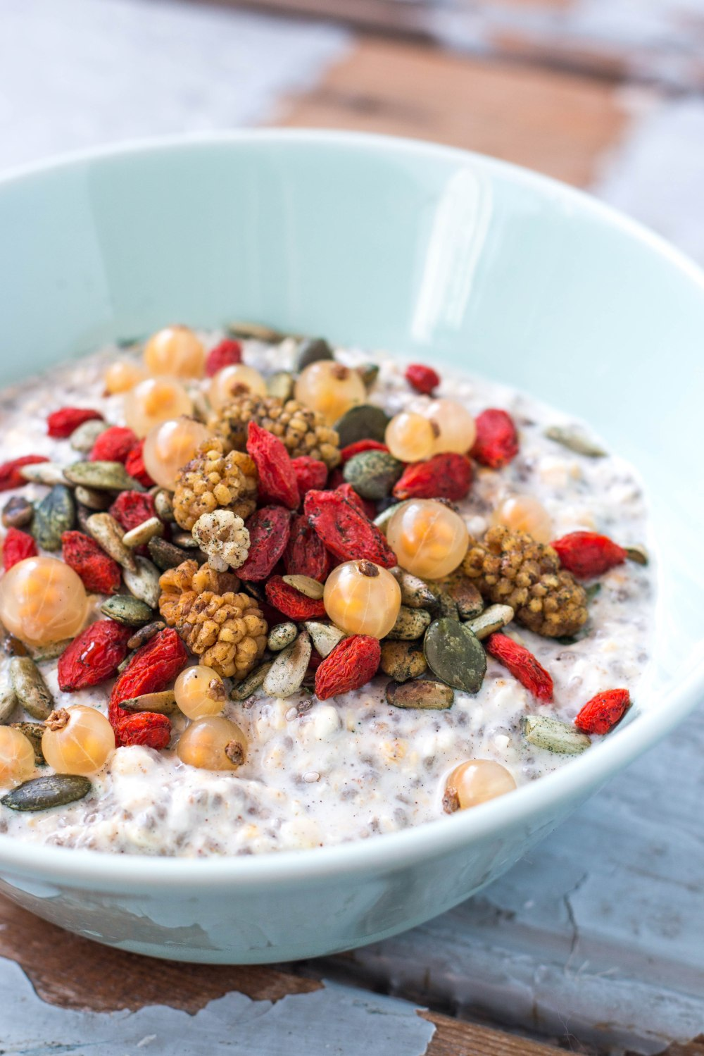 Vegan Chia Oatmeal Pudding // Rosalie Ruardy #vegan #healthy #breakfast #sugarfree #glutenfree