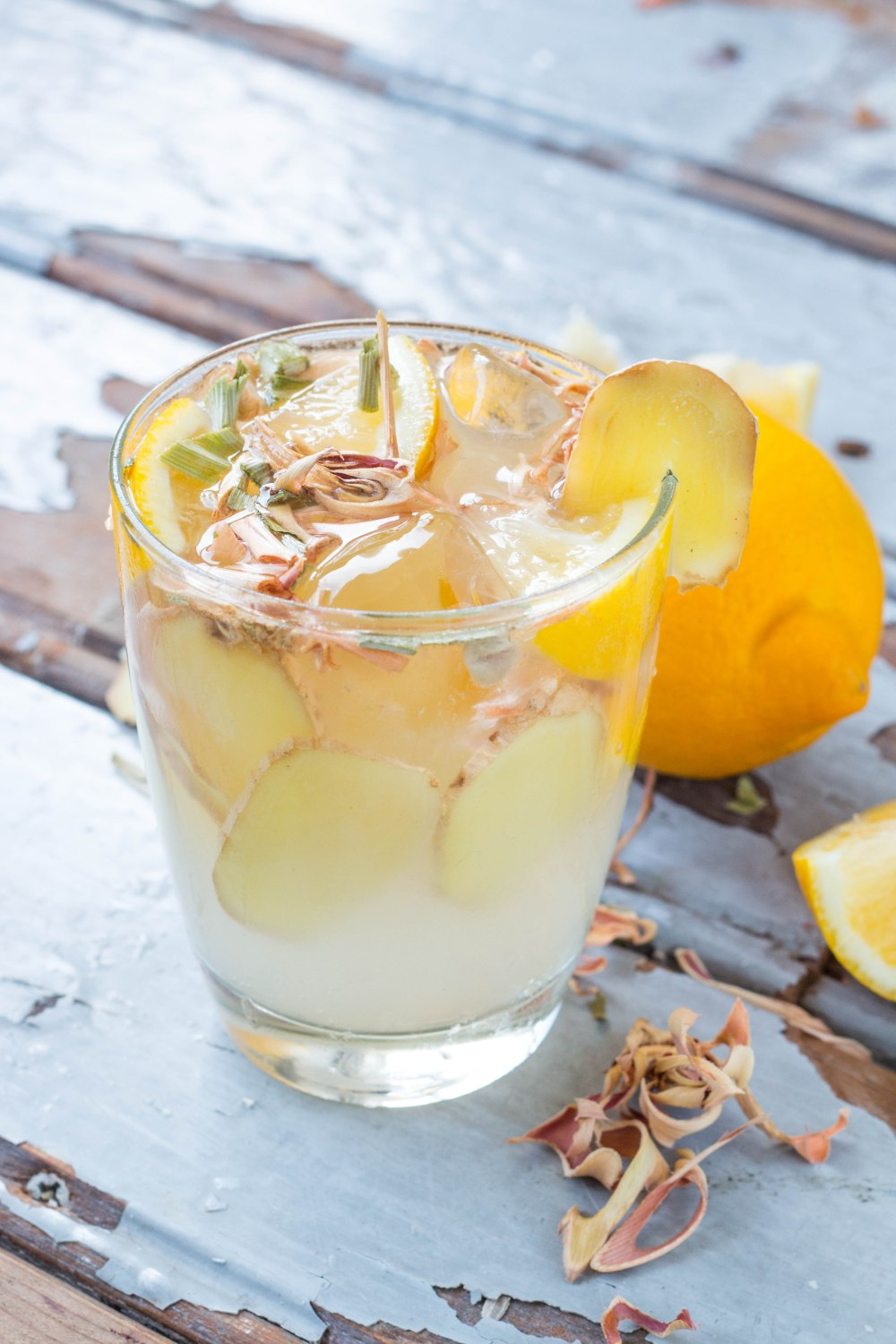 Ginger Fizz Mocktail // Rosalie Ruardy #healthy #recipe